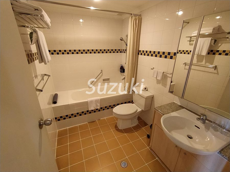 SomersetChancellor cort 2bed 105 2700usd (5)
